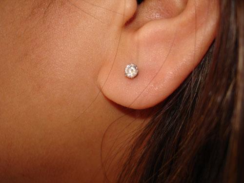 små diamant ørestikker